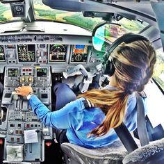 Azul Airlines Pilot (Great Cockpit Image) @larissabernardo