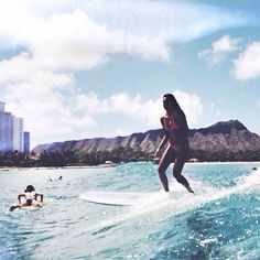 surfing in Waikiki is such an amazing experience, even with crowds