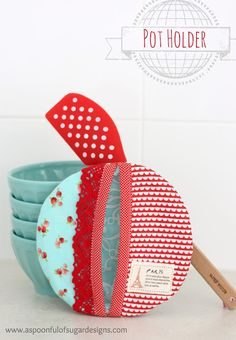How to Make a Pot Holder | A Spoonful of Sugar also good for how to make a small amt of binding