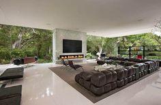 glass-pavillion-livingroom2