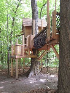 More ideas below: Amazing Tiny treehouse kids Architecture Modern Luxury treehouse interior cozy Backyard Small treehouse masters Plans Photography How To Build A Old rustic treehouse Ladder diy Treeless treehouse design architecture To Live In Bar Cabin Building A Treehouse, Build A Playhouse, Treehouse Kids, Treehouses For Kids, Backyard Treehouse, Outdoor Fun For Kids, Backyard For Kids, Cozy Backyard, Play Structures For Kids