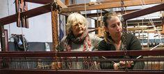 Fábrica que produz as mantas de Reguengos de Monsaraz comemora 100 anos Portugal, Folk, Textiles, Journal, Blanket, Popular, Forks, Folk Music, Fabrics