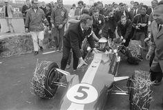 Jim Clark (GBR) (Team Lotus), Lotus 49 - Ford-Cosworth DFV 3.0 V8 (finished 1st) 1967 Dutch Grand Prix, Zandvoort Circuit