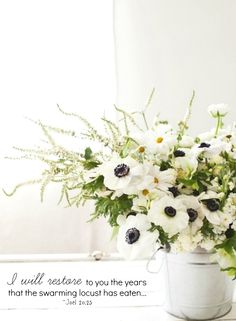 A galvanized bucket adds a farm fresh look to a glamorous bouquet / anemones. Love these white flowers instead of hydrangeas and all the greenery too. Fresh Flowers, White Flowers, Beautiful Flowers, Shabby Flowers, House Beautiful, Spring Flowers, Deco Floral, Arte Floral, Floral Design