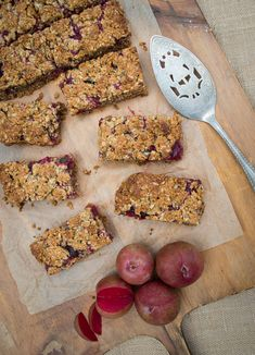 This delicious Fruit Crumble Muesli Bar is great for school lunches & can be frozen for a hassle free snack. It is nut-free, gluten, dairy-free options.
