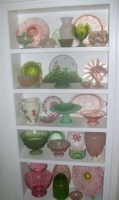 Green and pink depression glass.now THIS is my kind of depression glass display! Love the mix & match of colors and styles! Antique Dishes, Antique Glassware, Vintage Dishes, Vintage China, Vintage Love, Antique Bottles, Vintage Bottles, Vintage Perfume, Vintage Decor