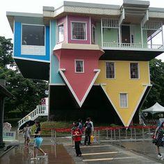 Upside Down House, Taipei