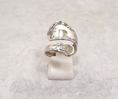 Spoon Ring Vintage Ring Silver Plated Floral Ring by SharkysWaters #oneida #ring #vintage #midcentury #artnouveau #etsy #jewelry