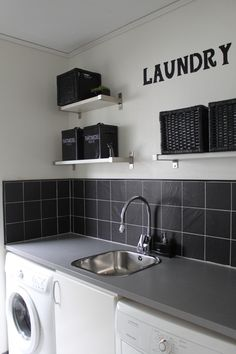 Villa No 3 - Hemma hos Laundry Room Inspiration, Japanese Kitchen, Laundry Room Design, New House Plans, Küchen Design, Kitchen Organization, Kitchen Cabinets, Diy Kitchen, Kitchen Remodel