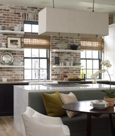 I would want to cook in this kitchen. Seems like a relaxing space