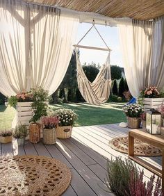 52 ideas apartment terrace ideas balconies privacy screens vertical gardens – balconygarden Best Picture For Balcony Garden decoration For Your Taste You are looking for something, and it is goi Backyard Patio Designs, Backyard Landscaping, Backyard Layout, Backyard Decks, Backyard Canopy, Pergola Designs, Outdoor Rooms, Outdoor Living, Outdoor Decor