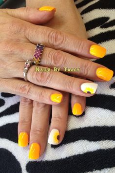 Sunflowers nail art