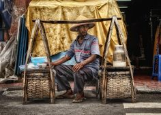 credit to: Hans Ricour Creative Photography, Street Photography, Old Shanghai, Asian Street Food, Traditional Market, Street Vendor, Indonesian Cuisine, Old Faces, City Architecture