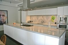 Modern Kitchen Countertops Luxury Design With Concrete Kitchen Countertops Modern Kitchen Countertops On Kitchen Concrete Kitchen Counters, Glass Countertops, Countertop Materials, Granite Kitchen, Beautiful Kitchens, Cool Kitchens, New Kitchen, Kitchen Decor, Kitchen Ideas