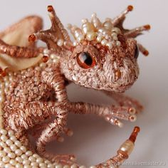 Little Dragon – shop online on Livemaster with shipping - Seed Bead Jewelry, Metal Jewelry, Beaded Jewelry, Bead Crafts, Jewelry Crafts, Arts And Crafts, Beading Tutorials, Beading Patterns, Brooches Handmade
