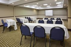 We have a meeting room perfect for your business travel!