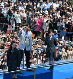 宮城)剰余金740万円寄付へ 羽生選手パレード:朝日新聞デジタル