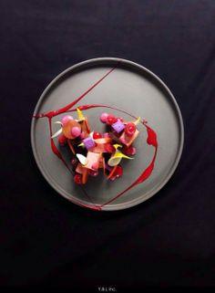 Yann Bernard Lejard - The ChefsTalk Project - Plum Raspberry chocolate Michelin Star Food, Molecular Gastronomy, Culinary Arts, Food Presentation, Creative Food, Food Design, Food Plating, Food Pictures, Food Art