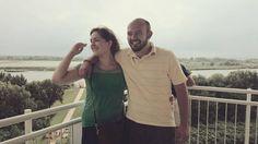 Ákossal az egyetem alatt ismerkedtünk meg és 1 éve vagyunk együtt. Ez idő alatt még nem tudtunk kettesben eltölteni egy nyaralást.  Szegeden még sosem jártunk, de nagyon szeretnénk felfedezni.