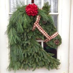 Over 30 of the BEST Christmas Wreath Ideas! These DIY Holiday Wreaths are easy to make and beautiful decorating ideas for you door! Christmas Horses, Noel Christmas, Outdoor Christmas, Christmas Ornaments, Christmas Greenery, Country Christmas, Winter Christmas, Christmas Stockings, Christmas Projects