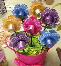 Make Rolo Candy flower bouquet using Stampin' Up!'s Mixed Bunch stamp set, Blossom Punch and Pansy Punch. Love this Idea