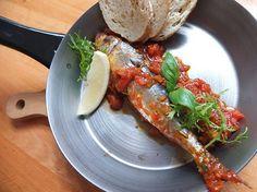 Sardynki w sosie prowansalskim ze świeżymi ziołami  Sardines in a Provencal sauce with fresh herbs