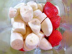 Een heerlijke banaan- en aardbeiensmoothie