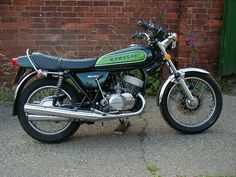 1974 Kawasaki H1 500cc 2 Stroke 3 cylinder motorcycle http://www.classicbikes.co.uk/machine3.html