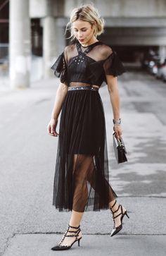 Mary Seng com Vestido Transparente
