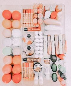 Face Skin Care, Diy Skin Care, Combination Skin Care Routine, Aesthetic Makeup, Lip Care, Skin Makeup, Beauty Skin, Aesthetics, Glossier