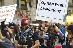 Salud anula el diagnóstico psiquiátrico para tratar a los transexuales. El colectivo no tendrá que acreditar la patología psiquiátrica de disforia de género para entrar en el proceso de cambio de sexo. Jessica Mouzo Quintáns | El País, 2016-10-24 http://ccaa.elpais.com/ccaa/2016/10/24/catalunya/1477310894_666188.html