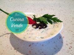 Oliven-Joghurt Creme Dip - Rezept von Joes Cucina Verde Caprese Salat, Creme, Dips, Pudding, Desserts, Food, Olive Recipes, Dip Recipes, Olive Dip