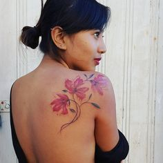 Pretty flowers for a very pretty lady. Future Tattoos, New Tattoos, Girl Tattoos, Tattoos For Women, Piercing Tattoo, Piercings, Tattoo Flowers, Pretty Flowers, Tattoo Inspiration