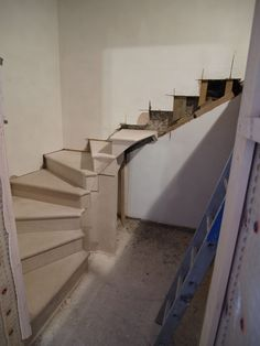 Nearly finish, this little stone staircase leading to the cellar.