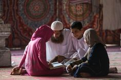 julaibib: Egyptian children learn about Quran with their fathe Muslim Pictures, Islamic Pictures, Alhamdulillah, Mecca Kaaba, Islam Ramadan, Islamic Quotes Wallpaper, Allah Wallpaper, Cute Muslim Couples, Islam For Kids