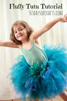 Peacock Tutu Tutorial - DIY Halloween Costume - 365daysofcrafts.com