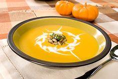 Recept : Podzimní dýňová polévka | ReceptyOnLine.cz - kuchařka, recepty a inspirace Pumpkin Soup, Diet Tips, Thai Red Curry, Ethnic Recipes, Health, Food, Halloween, Dieting Tips, Squash Soup