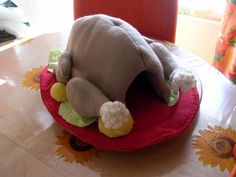 OMG hilarious! Wo designs this stuff? Guinea pig bed!