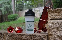 Time to change the hummingbird nectar, get it done in under 1 minute using cold water with a Sugar Shaker Nectar Maker!