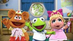 Filming's begun on 'Muppet Babies', a new Muppets series set up at Disney Junior. Muppet Babies will feature Kermit, Miss Piggy, and Fozzie Bear. Disney Junior, Disney Jr, Disney Parks, Disney Tips, Disney Family, Muppet Babies, Jim Henson, Disney Channel, Miss Piggy