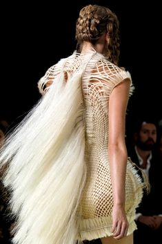 Alexander McQueen Spring 2011 Ready-to-Wear Fashion Show Details #alexandermcqueenreadytowear