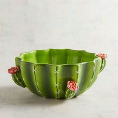 Planning a summer celebration? What better way to serve up a succulent salad or side dish than with our hand-painted ceramic cactus bowl, complete with petite pink desert blossoms. Cactus Ceramic, Ceramic Bowls, Ceramic Pottery, Keramik Design, Cactus Decor, Pottery Designs, Southwest Decor, Dinnerware Sets, Hand Painted Ceramics