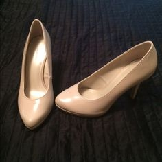 Nude high heels Color goes with anything ! Only worn once to a wedding Shoes Heels