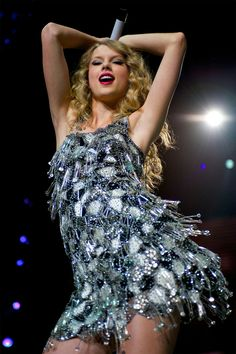 TAYLOR SWIFT taylor style taylor swift zitate und texte taylor swift g Taylor Swift Fearless, Taylor Swift Hot, Style Taylor Swift, Taylor Swift Concert, Live Taylor, Lady Gaga, Swift Tour, Taylor Swift Wallpaper, Taylor Swift Pictures