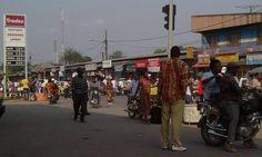 Cameroun: La baisse des prix du carburant est effective dans certaines stations-service - http://www.camerpost.com/cameroun-la-baisse-des-prix-du-carburant-est-effective-dans-certaines-stations-service/?utm_source=PN&utm_medium=CAMER+POST&utm_campaign=SNAP%2Bfrom%2BCAMERPOST