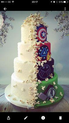 Cake Wrecks - Home - Sunday Sweets: Half And Half, mi queque de boda Superhero Wedding Cake, Avengers Wedding, Marvel Wedding Theme, Fall Wedding Cakes, Wedding Cupcakes, Wedding Ideas, Trendy Wedding, Geek Wedding Cakes, Disney Wedding Cakes