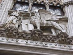 Doges' Palace - Venice, Italy - Doge Francesco Foscari Statue