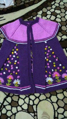 Images, Ideas For Knitting, Crochet Ect Baby Knitting Patterns, Arm Knitting, Knitting For Kids, Baby Patterns, Baby Cardigan, Baby Pullover, Baby Vest, Crochet Girls, Crochet For Kids