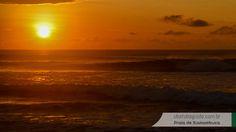 A beleza do contraste de cores ao amanhecer é fantástica