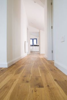 Engineered English Oak Flooring...naturally the best , our beautiful native Oak. Available in mixed-widths in long random lengths.: